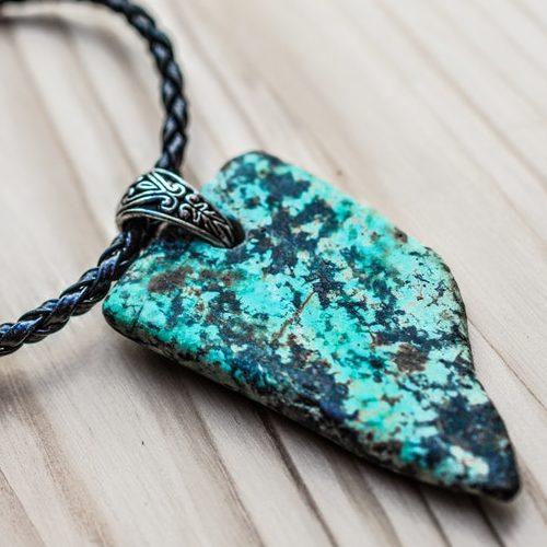 Les bijoux de minéraux de Crystal & Lunmière