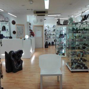 Photo du magasin de Crystal et Lumière - stock de la boutique de lithohtérapie en ligne